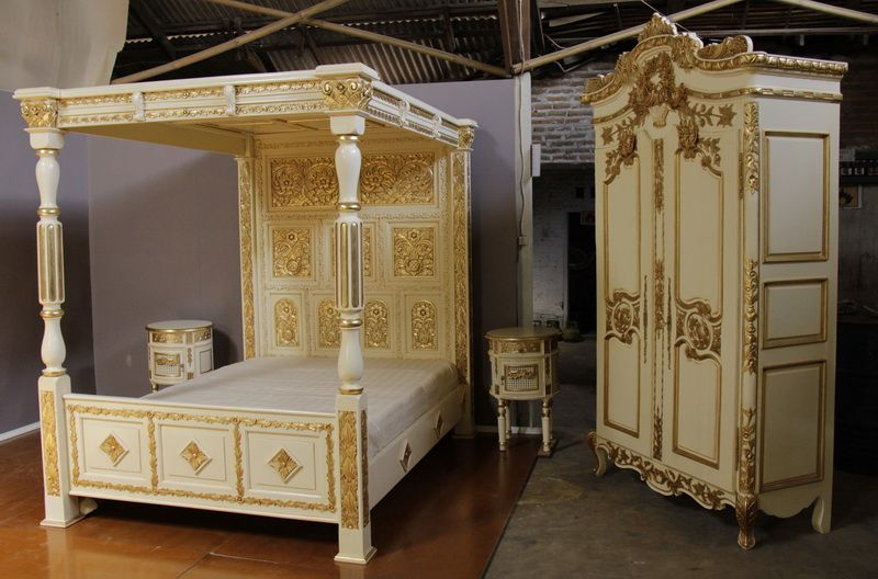 Four Poster Carved Canopy Bed In Gold